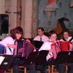 9 accordéonnistes, dont Valérie Pilloux de St Julien.